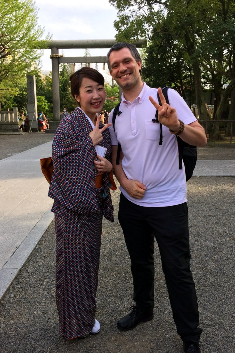 Harusa Matsuyama in kimono with Sébastien Duval at Asakusa Shrine (Taito ward, Tokyo, Japan) on 18 April 2015. Photo by Eri.