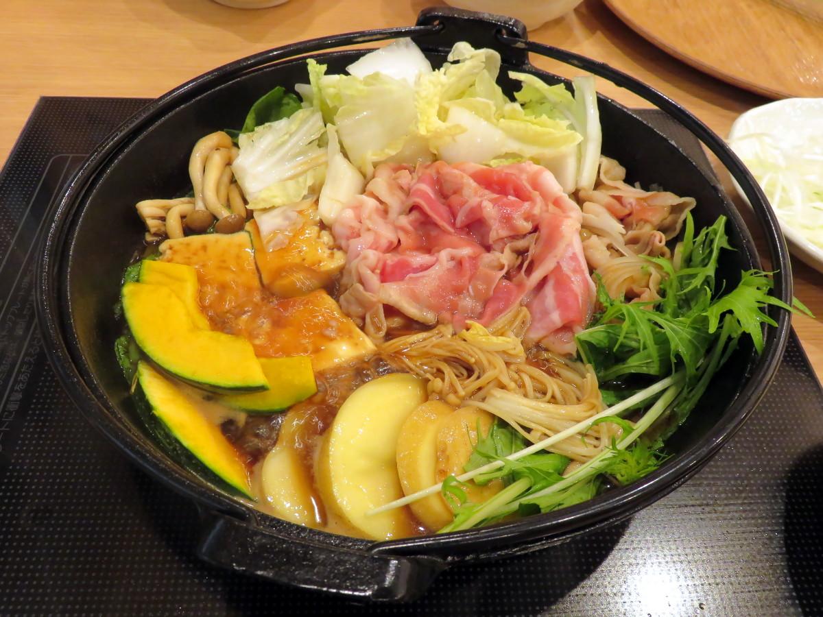 [EN] Sukiyaki at Shabu-shabu Gyuta in Cocolia Tama Center. [FR] Sukiyaki à Shabu-shabu Gyuta dans Cocolia Tama Center. [JP] しゃぶしゃぶ牛太ココリア多摩センター店で鋤焼。