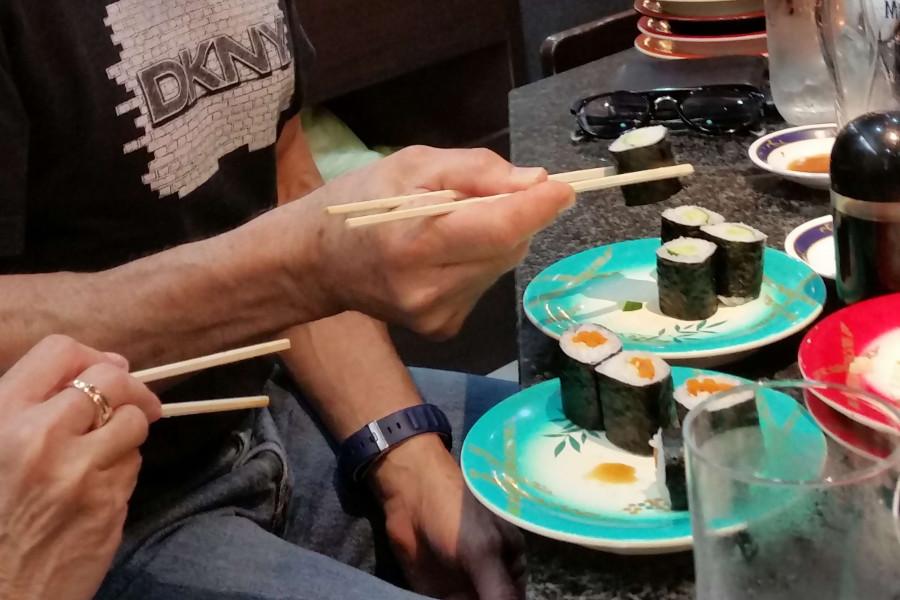 [EN-FR] Sushis. [JP] 巻き寿司。